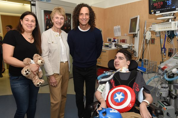 Barbara Nicklaus, Kenny G, and a parent and patient