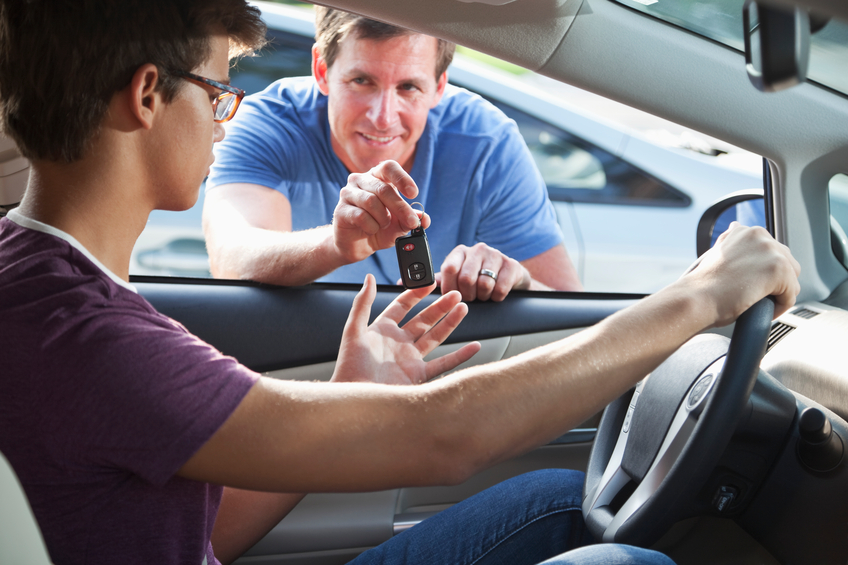 teen-drivers-become-safe